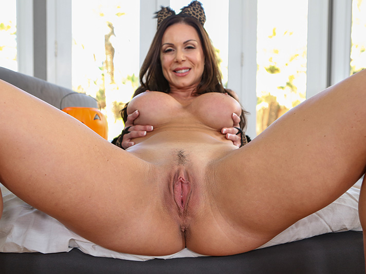 Pure Mature Kendra Lust in Make her Purr
