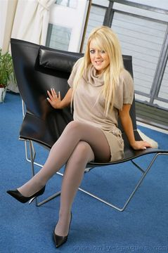 Only Opaques – Tanya in pantyhose
